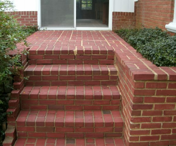 Brick Steps – After Cleaning