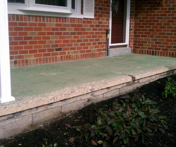 Concrete Porch – Before Cleaning